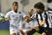 Santos vence o Atlético-MG e rouba a vice-liderança do Brasileirão